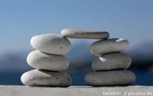 bruecke aus kieselsteinen